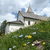 D-1073-badia-heiligkreuz-kirche-la-crusc.jpg
